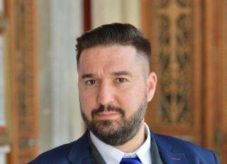 Manolis_Merakis_Filologos